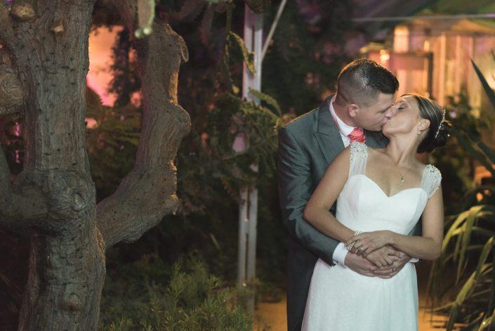 Birmingham Wedding Photographers & Videographers Botanical Gardens - Dudley, Stourbridge, Kidderminster, Birmingham Wedding Photography & Videography